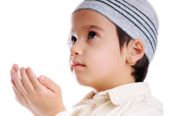 source of image: http://www.hijabfashion.com/wp-content/uploads/2016/04/raising-muslim-child.png